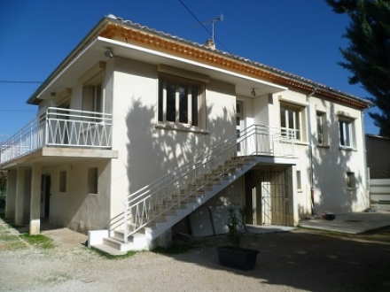 Location Maison avec jardin 5 pièces L'Isle-sur-la-Sorgue (84800)