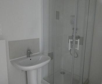 Location Appartement récent 3 pièces Thiers (63300) - Rue deLyon