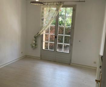 Location Maison 5 pièces Parthenay (79200) - parthenay village